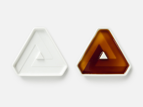 "Soy Shape, 2 x ""Triangle"" dishes"